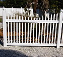 Drive Gate - Malibu Picket Scalloped Top